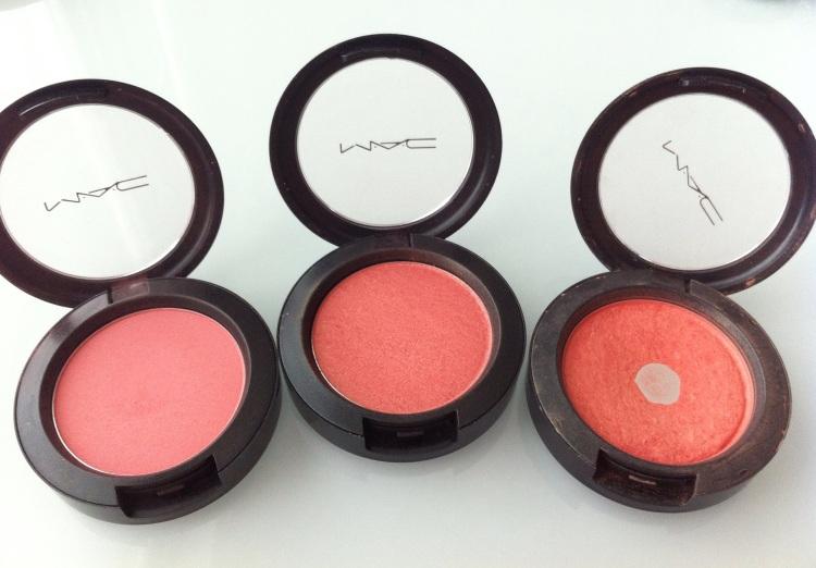 (Vasemmalta oikealle) MAC Blush - Fleur Power (Satin) - Springsheen (Sheertone shimmer) - Style (Frost) - poskipunat