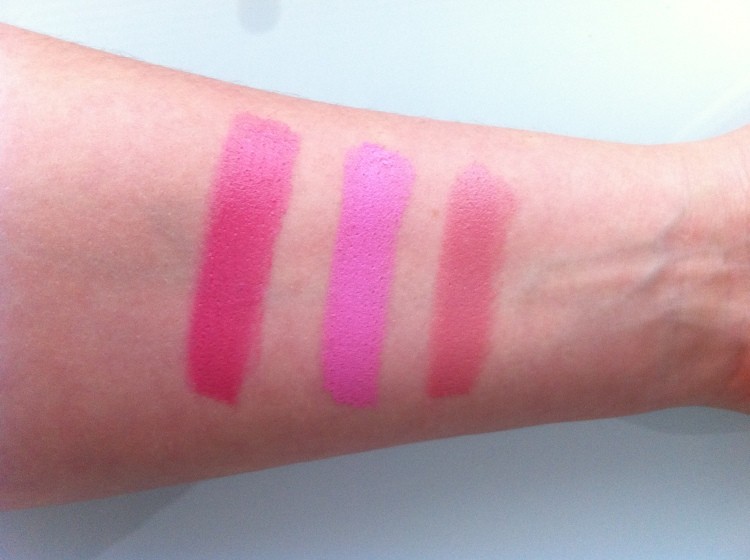 (Vasemmalta oikealle) Mac lipstick - Speed Dial (Cremesheen) - Saint German (Amplified) - Creme cup (Cremesheen) - huulipunat