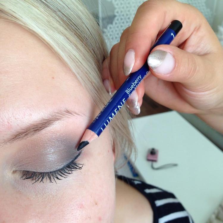 Silmänrajauskynä Lumene  Blueberry 1 Yönmusta.